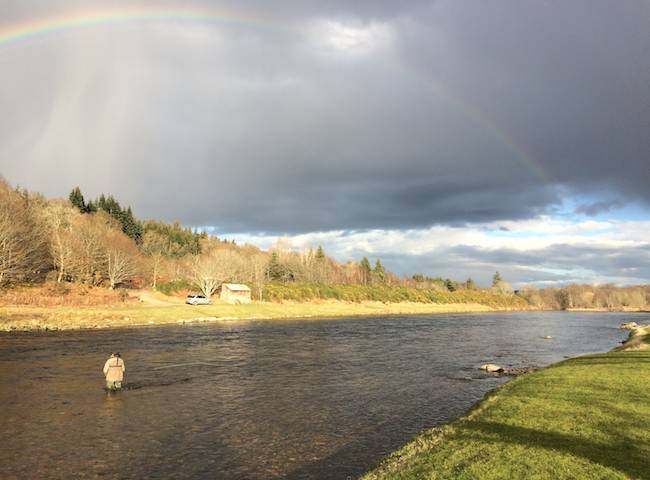 The Aberdeenshire River Dee is a beautiful Scottish salmon river which is fed by snowmelt through the Spring and early Summer from the nearby Cairngorm Mountains. This fantastic boulder strewn Scottish river is an absolute fly fisher's paradise.