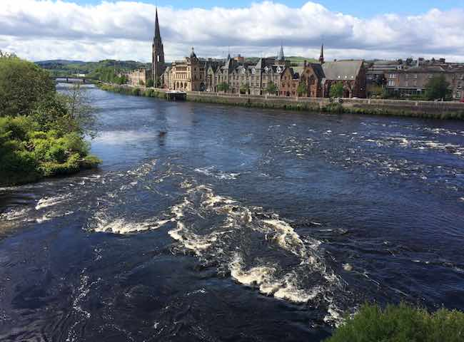 Scotland's main salmon river valleys are blessed with some fantastic towns and few more so than on the River Tay where Perth is located. This easily walk about Perthshire town has real character and many amenities for visiting salmon fishers and their families.