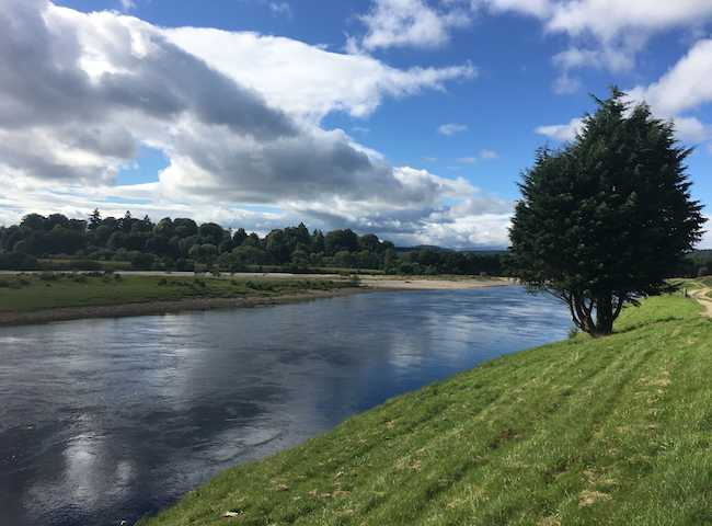 Scotland is indeed blessed with 400 plus salmon rivers that are all relatively close to one another when compared to far distant global destinations. Strategic planning of a Scottish salmon fishing trip itinerary is easy and well worth considering.
