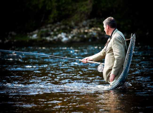 Nothing betters the salmon river environment for being able to de-stress from the normal working day problems and stresses. The salmon rivers of Scotland do indeed have their own special kind of calming magic and will soon place you under their magnificent spell.